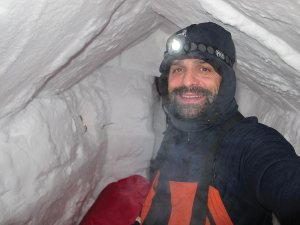 Snow shelter at 14,200